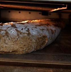 Riesenschaenkenbrot: Wir backen das Brot - das Sie sich wünschen.